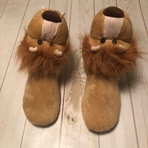 Lion Unbranded Slippers Size XL 4-5 NWOT
